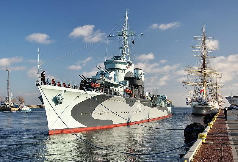 Warship Lightning