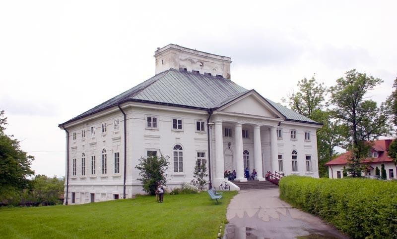 Palace in Bejsce
