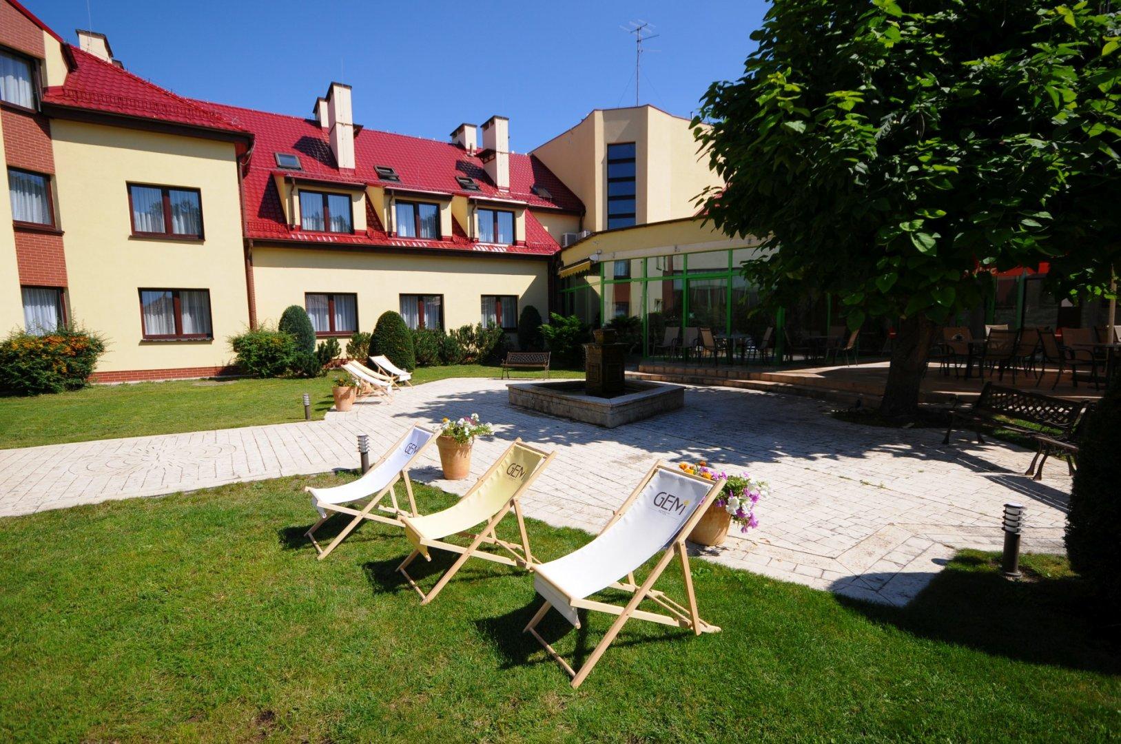 Gem Hotel