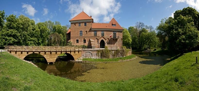 Oporów Castle