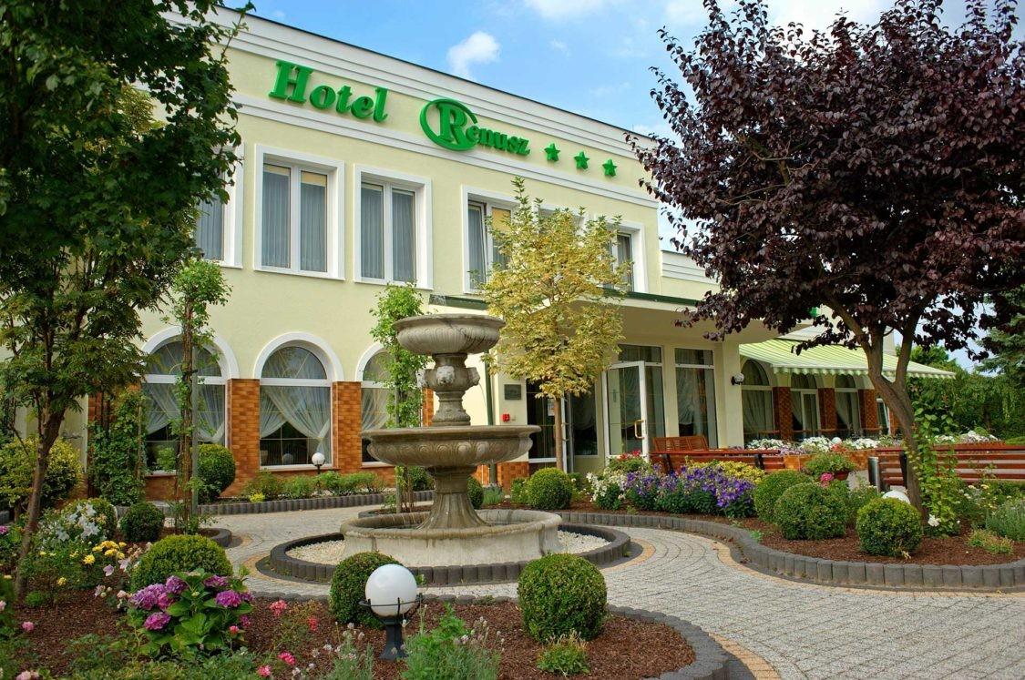 Renusz Hotel