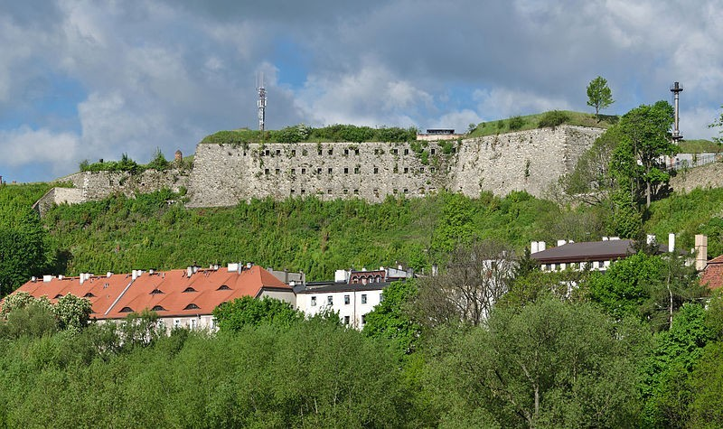 Strongholds and forts in Poland
