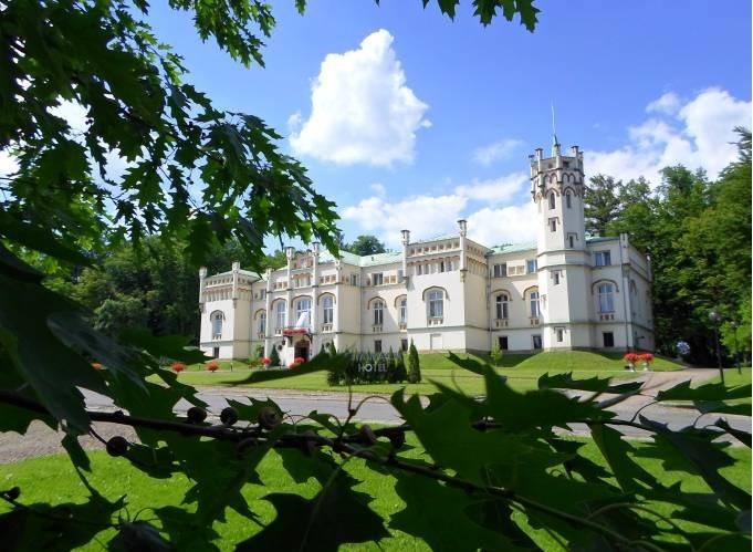 Paszkówka Palace