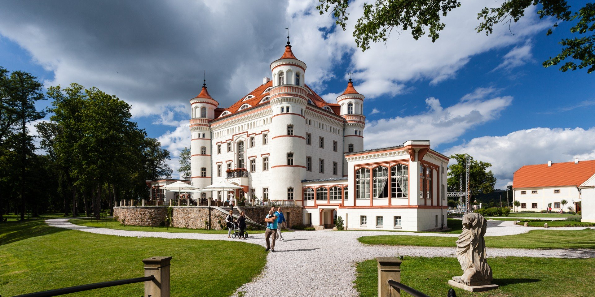 The Valley of Palaces and Gardens (Dolina Pałaców i Ogrodów)