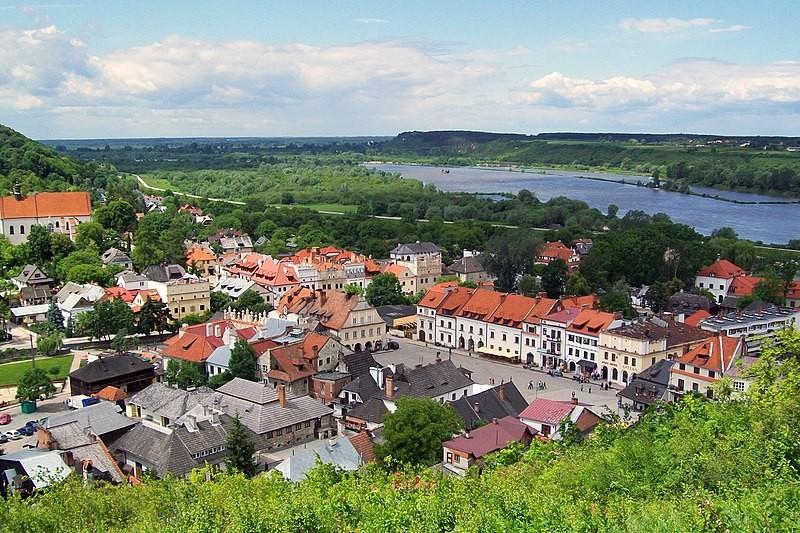 Beacons of Kazimierz Dolny and Janowiec