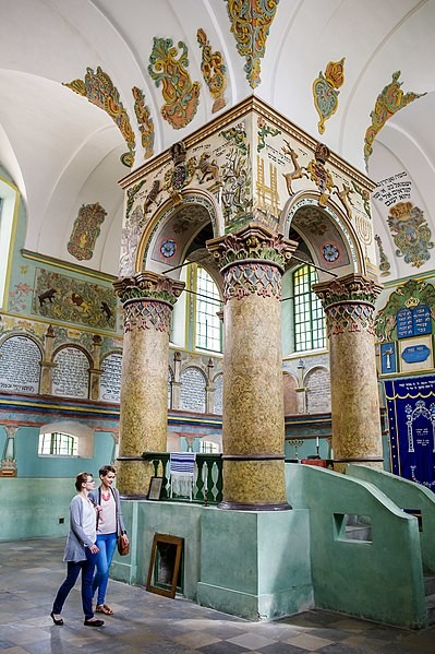 Jewish tourist attractions and memorial sites in Poland