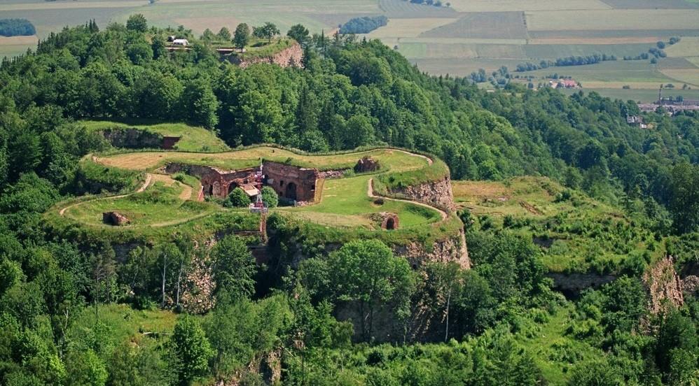 Srebrna Góra Stronghold