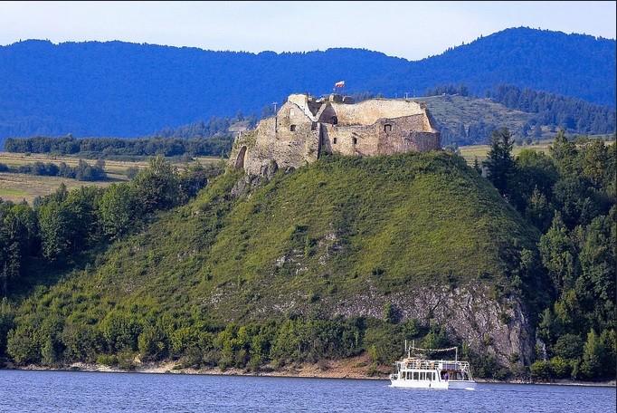 Czorsztyn Castle Ruins